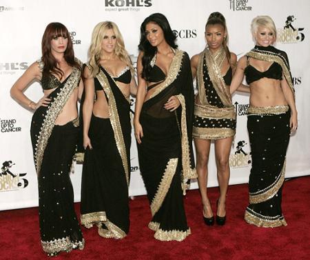 http://2.bp.blogspot.com/_-u_NrLFS1Ps/SaJrqcjUHiI/AAAAAAAAAYk/QiYopCh-CyI/S1600-R/Copy+of+sari_party_girls1.jpg