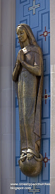 Large bronze statue of the Immaculate Conception