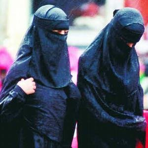 [muslim+women+001.bmp]
