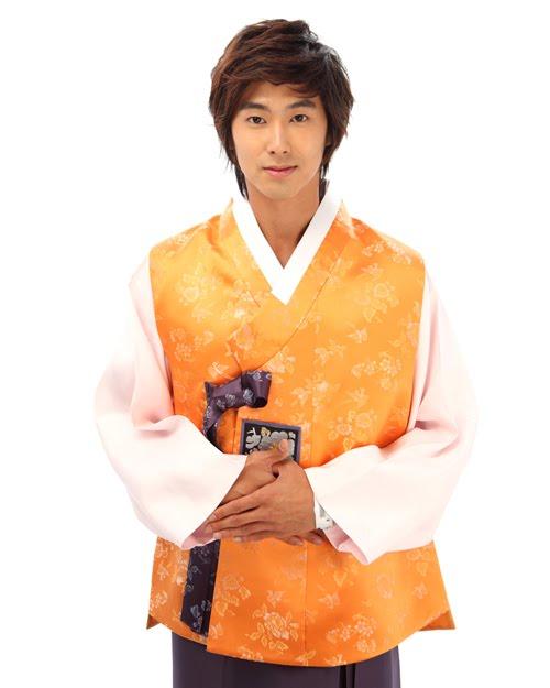 [yunho+hanbok.jpg]