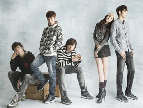 http://2.bp.blogspot.com/_-x7gqq9QJuA/TEkfNnXofSI/AAAAAAAAMxc/dg4f6mOsDZk/s1600/1+koreabanget.jpg