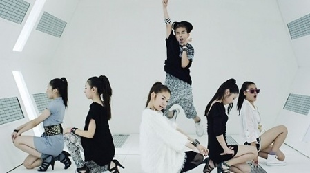 http://2.bp.blogspot.com/_-x7gqq9QJuA/TGG2p-avvyI/AAAAAAAAOfM/AWSe8joK7vk/s1600/1+koreabanget.jpg