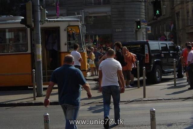 http://2.bp.blogspot.com/_-x7gqq9QJuA/TH3DJnLk7qI/AAAAAAAAQwo/kOGSNkr4Wvk/s1600/tramway_vs_hummer_07.jpg