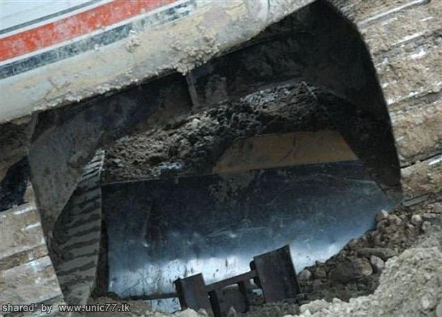 http://2.bp.blogspot.com/_-x7gqq9QJuA/TICylVwOWtI/AAAAAAAASGw/Xrne368FMV8/s1600/revenge_of_worker_04.jpg