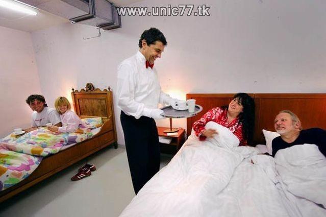 http://2.bp.blogspot.com/_-x7gqq9QJuA/TIYruGBlVOI/AAAAAAAATWM/CQd_GStGN4M/s1600/zero_star_hotel_14.jpg