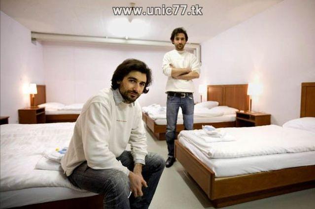 http://2.bp.blogspot.com/_-x7gqq9QJuA/TIYsTmo_NfI/AAAAAAAATXU/AHGsNrvoIDE/s1600/zero_star_hotel_05.jpg