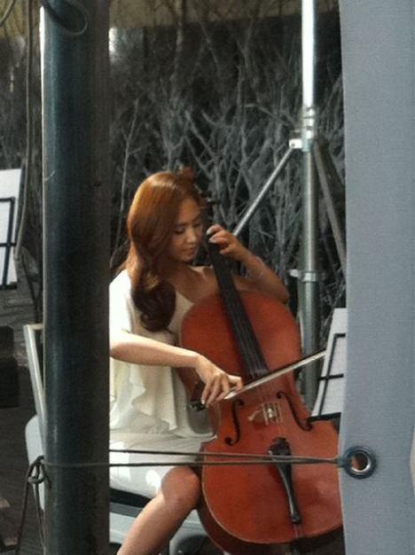 http://2.bp.blogspot.com/_-x7gqq9QJuA/TTks_nIwQfI/AAAAAAAAUvQ/XUM6ELeN2MM/s1600/cello.jpg