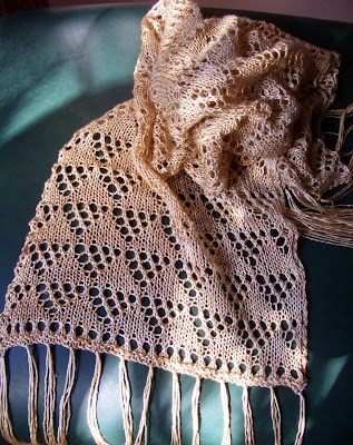 Free Patterns: Three Sisters Scarves # One