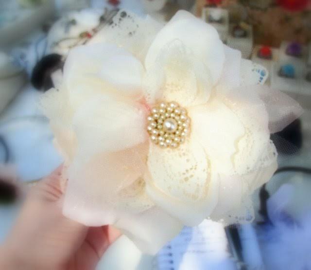 Little Lovables: Vintage Flower Blossom Tutorial
