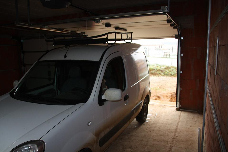 Autoconstruction de notre maison essai voiture dans garage for Reprise voiture dans garage