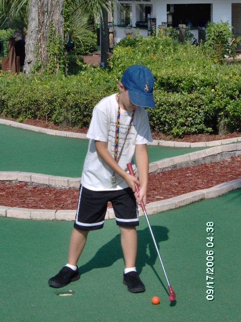 """Mommy Takes Dustin to play Putt Putt Golf"""