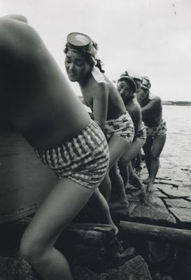 Boys In Fundoshi http://mermaid-williambond.blogspot.com/2008/01/chapter-nine-amazons-of-amazon-river.html