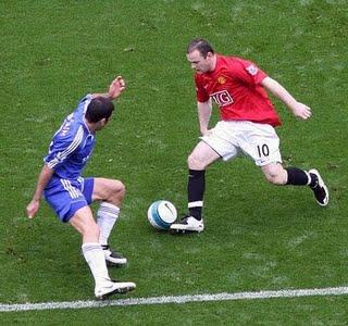 http://2.bp.blogspot.com/_01dsYi6CBkU/TF3r7d35yEI/AAAAAAAAErc/Tjm9skvKXXg/s1600/detikpos-Chelsea+vs+MU,+Sama-sama+Mencari+Modal+Awal.jpg