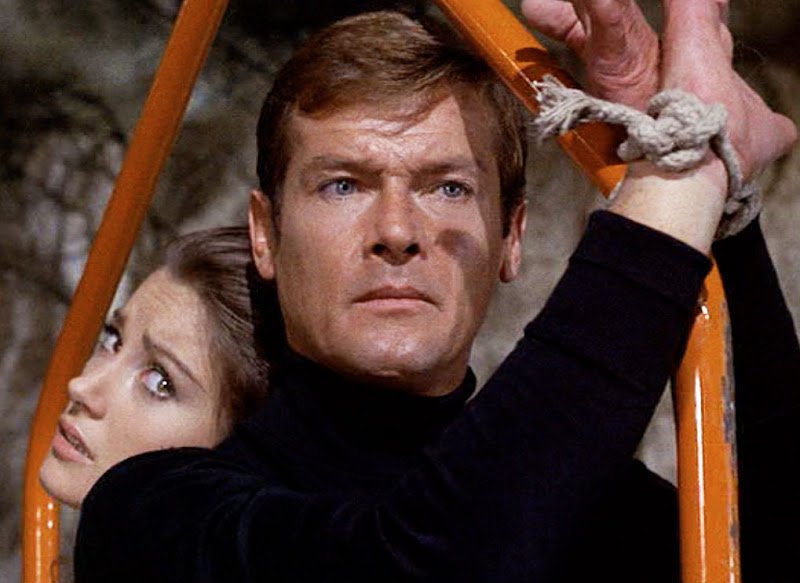 Roger Moore - Wallpaper Colection