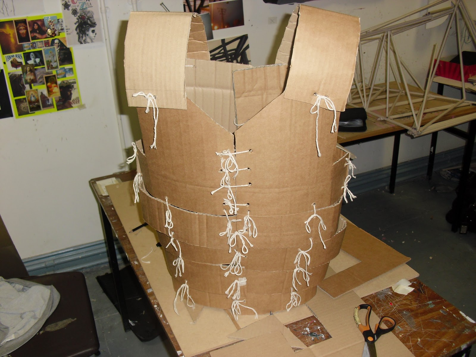 Fance november 2010 for Cardboard armour template
