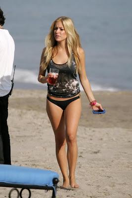 Kristin Cavallari In Bikini Filming The Hills pic