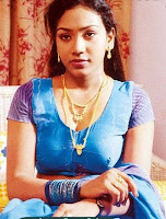 Actress in blouse hot saree still 07