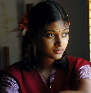 Oviya Cute Photos in Movie Kalavani