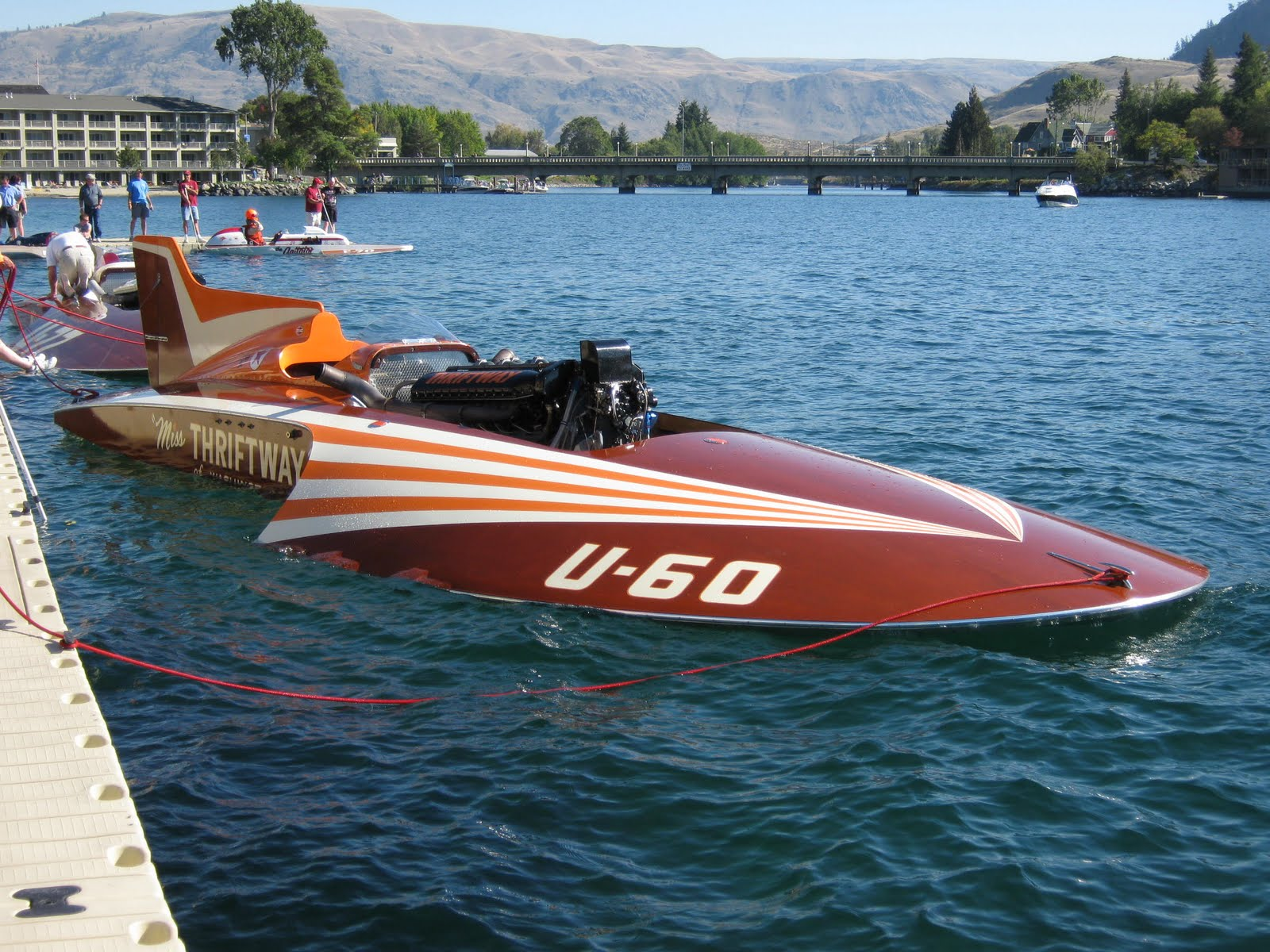 2010 Mahogany & Merlot on Lake Chelan – Vintage Hydroplane Edition | Classic Boats / Woody Boater
