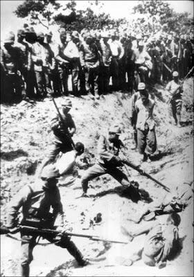 La Masacre de Nanking. Nanking_massacre_Rape_of_nanking_killing_people_practice