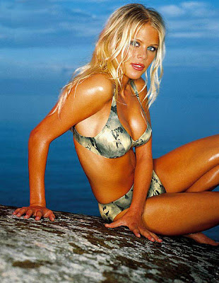 Sexy Elin Nordegren in Camo Bikini