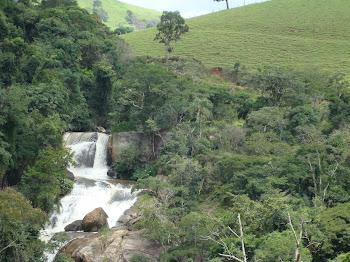 Cachoeira dos Henriques