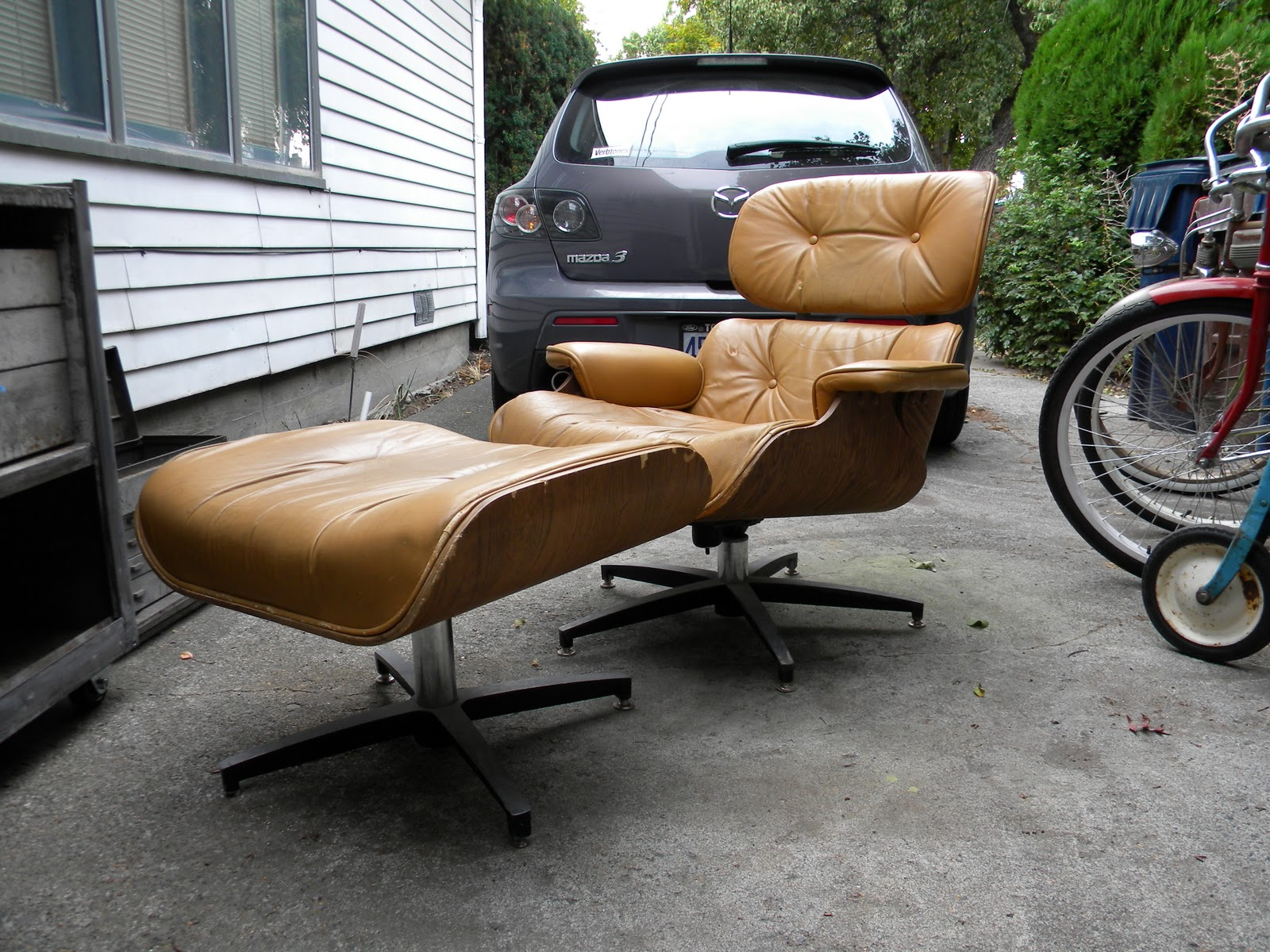 Our Ranch Bungalow Eames Lounge Chair