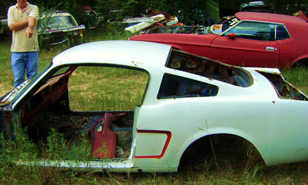 Junkyard Life: Classic Cars, Muscle Cars, Barn finds, Hot rods and part news: Cars in Yards: 400 ...