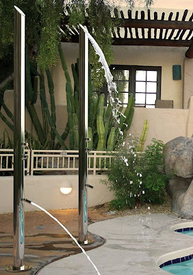 Outdoor Shower: Anthropomorphic Design