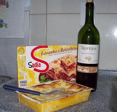 janta lasanha vinho