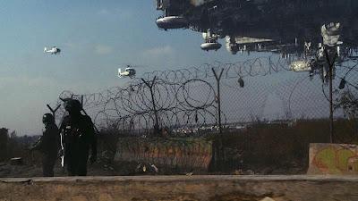 filme distrito 9 nave gigante militares