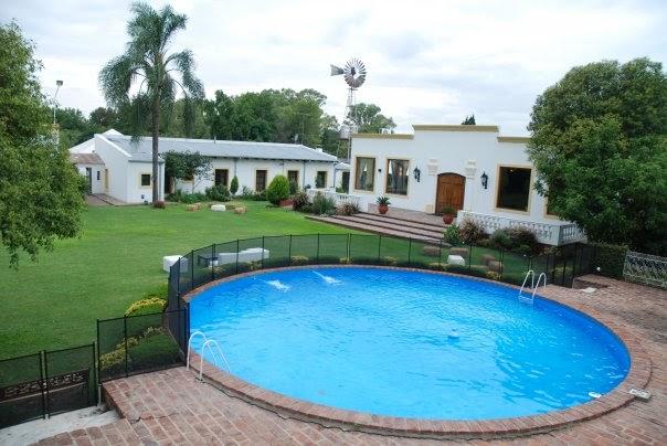 El mirador del carmen piscina y parque for Piscina el carmen valencia