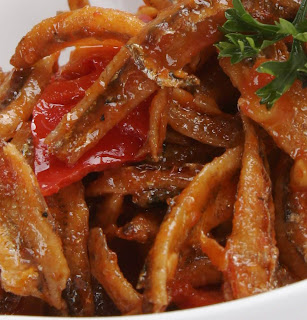 Stir-fry Anchovies with Chili (Sambal Goreng Teri)