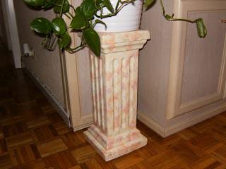 Manualidades malvasia columna marmol claro for Marmol verde claro