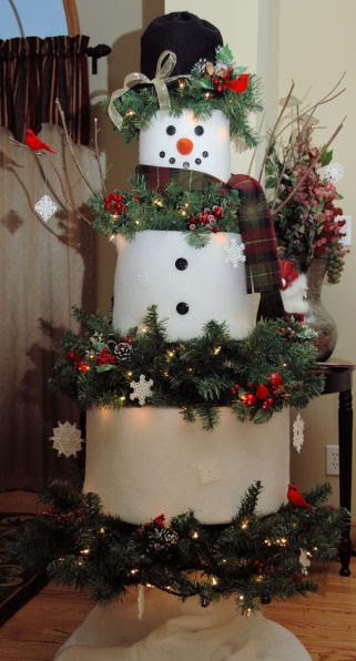 ... and painted furniture: A Bit of Holiday Decorating Inspiration