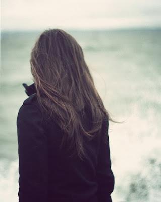 معاني جميلة حياتنا..بقلم رهـوفه^_* alone,beach,girl-c94