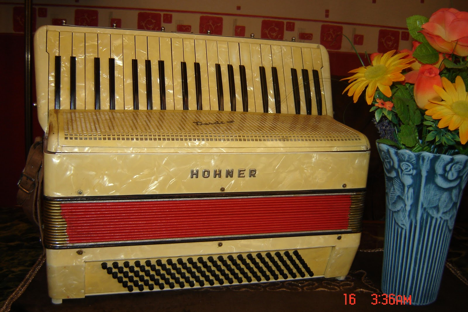 harmonika fisarmonica accordeon i hohner verdi iii b. Black Bedroom Furniture Sets. Home Design Ideas