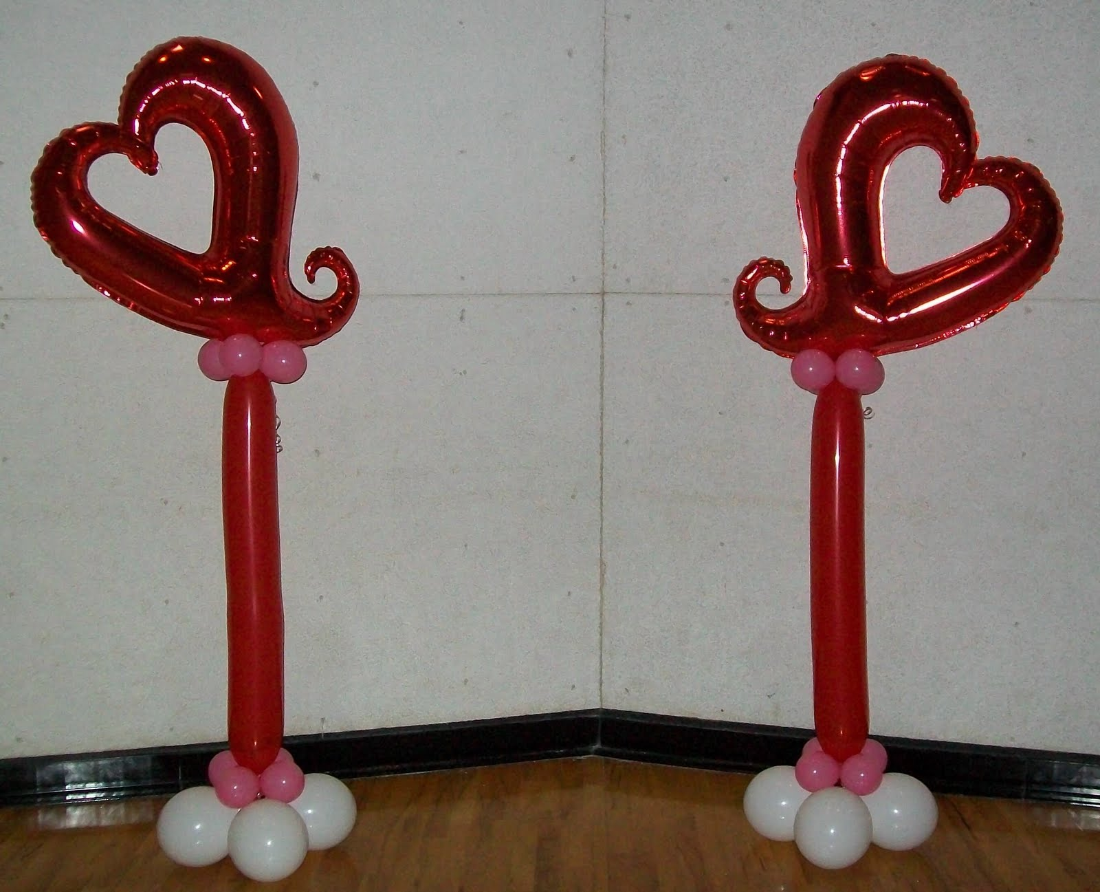 Party people event decorating company valentine 39 s dance for Balloon decoration for valentines day
