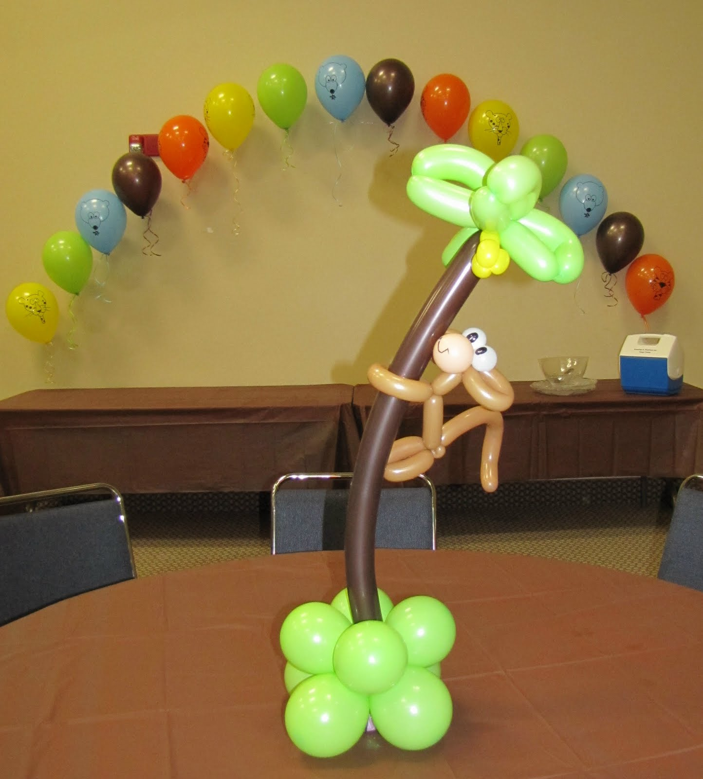 Party people event decorating company monkey animal for Baby shower balloons decoration