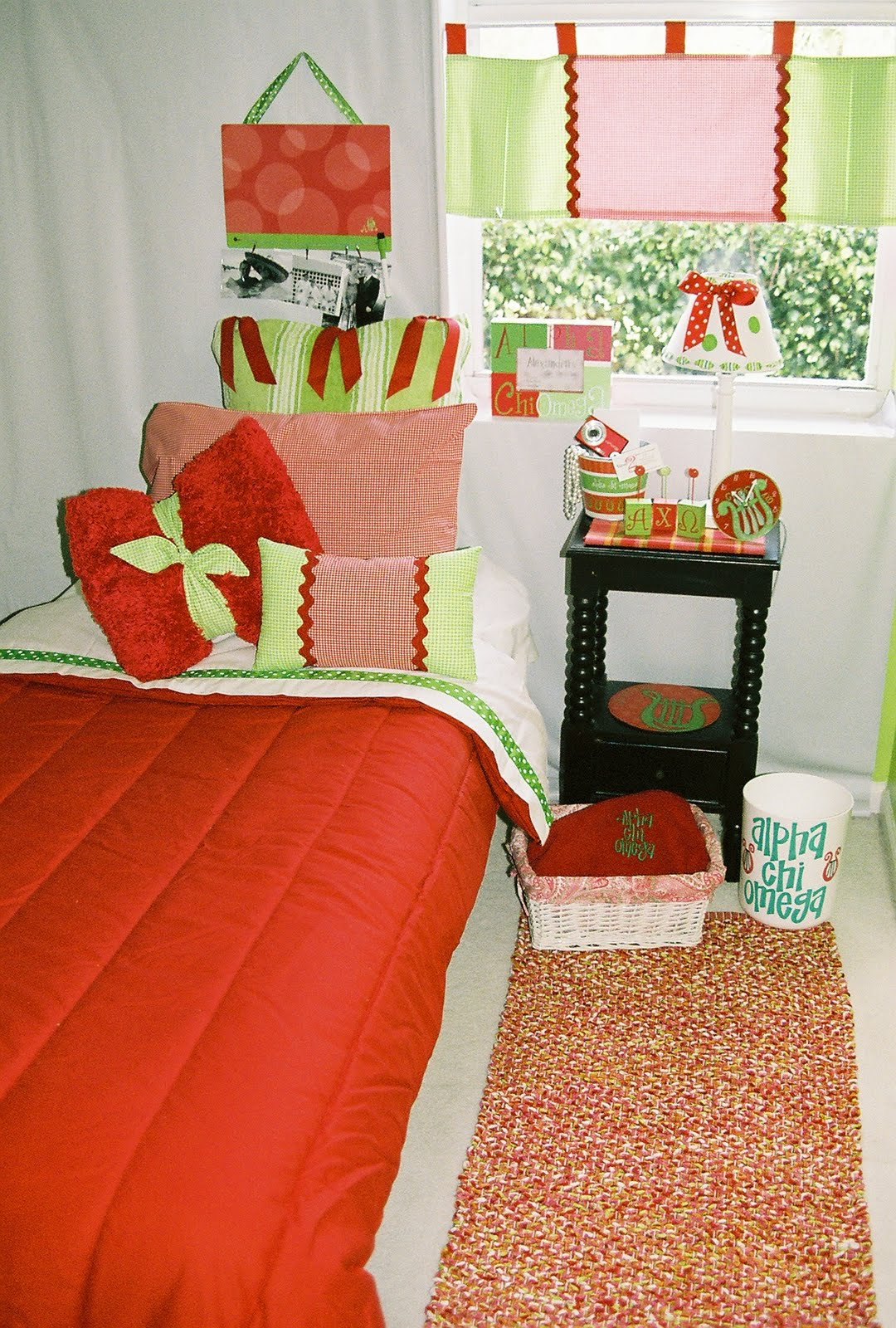 Decor 2 Ur Door Alpha Chi Omega Sorority Dorm Bedding and  ~ 055653_Sorority Dorm Room Ideas