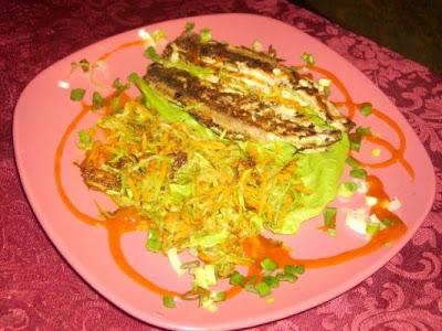 Articole culinare : File de Macrou cu legume sotate,