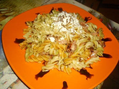Articole culinare : Spirale Tricolore cu Sunca