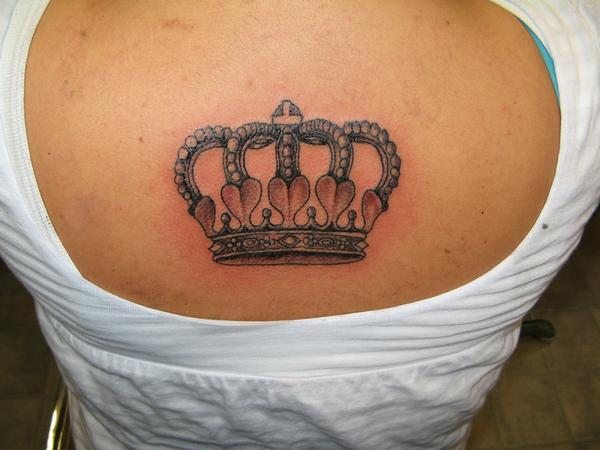 Foot tattoo designs for girls crown love tattoos for Latin kings crown tattoo
