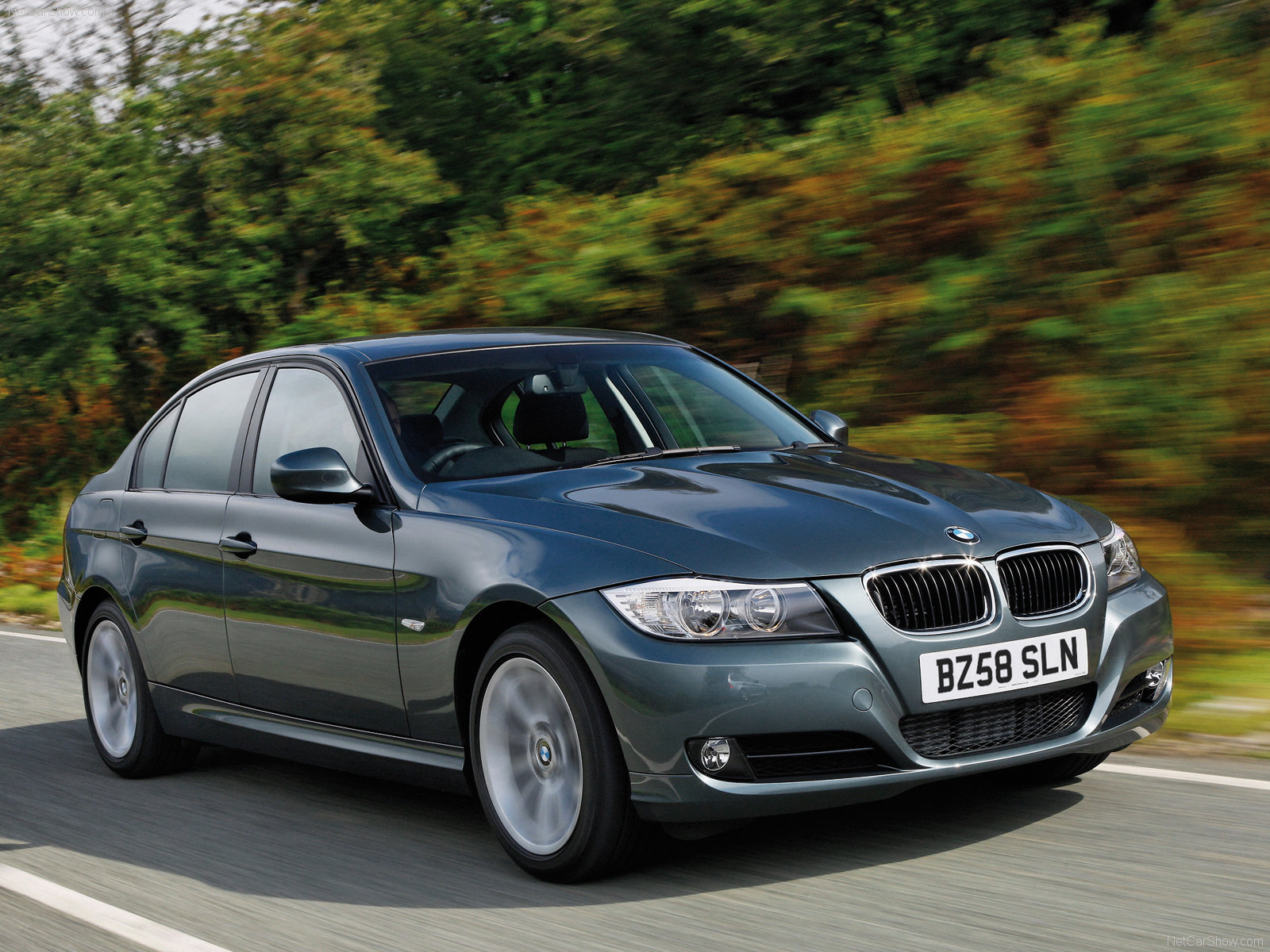 of the 2009 BMW 3 Series