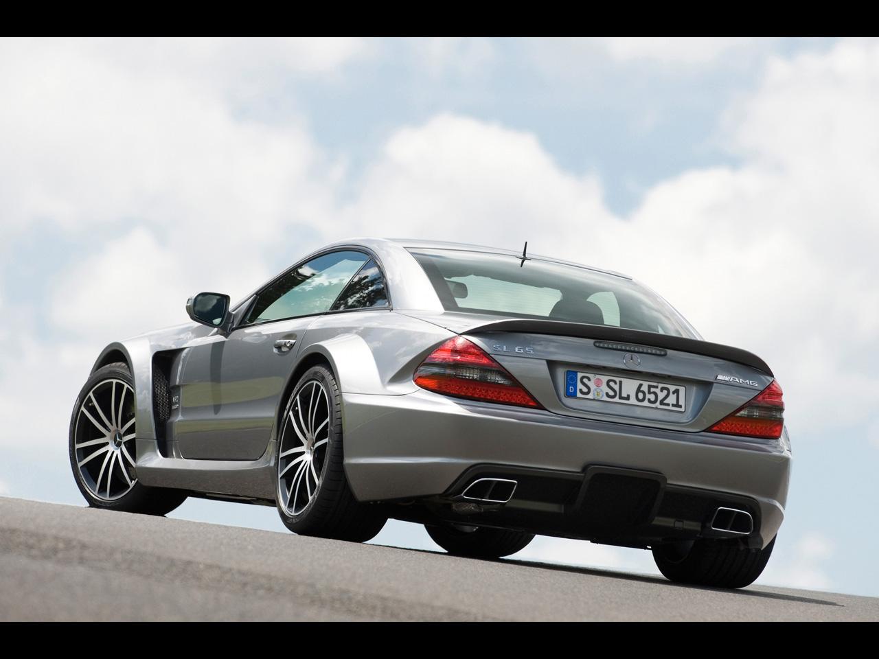 http://2.bp.blogspot.com/_0LXwB2xJfZg/TPt-R0xa65I/AAAAAAAABAc/DSXTh8A0iwM/s1600/2009-Mercedes-Benz-SL-65-AMG-Black-Series-Rear-Angle-1280x960.jpg