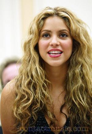 Wallpaper World: Shakira Biography | Shakira Pictures  Shakira