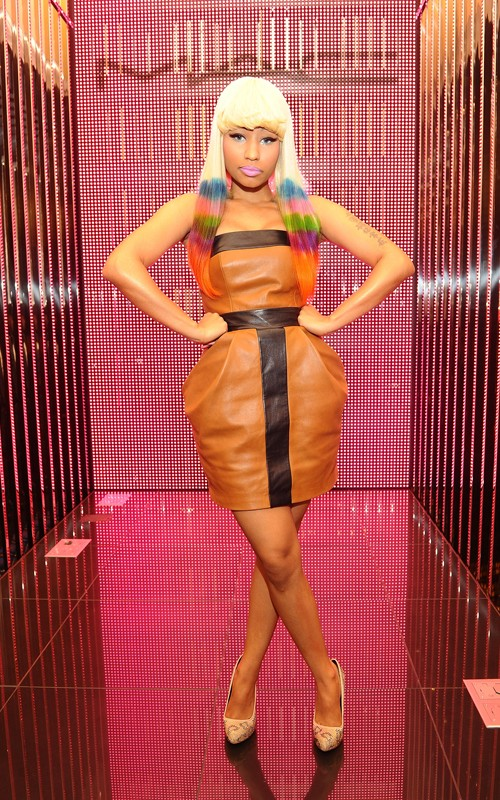 nicki minaj knockout pictures. Nicki Minaj out cg her Pink