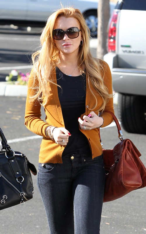 Lindsay Lohan out for her AA Meeting Pics