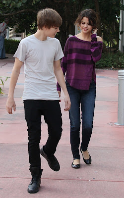 Justin Bieber and Selena Gomez out for a stroll in Miami Beach