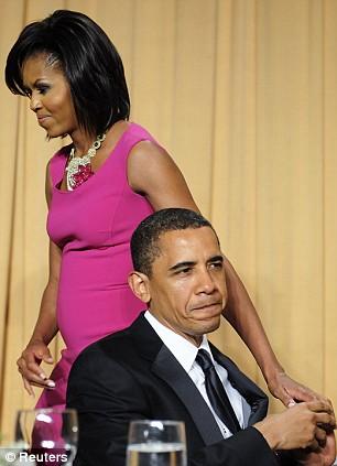 http://2.bp.blogspot.com/_0MAh0_Oa3iU/TSFHL9BbQhI/AAAAAAAAGSI/LIrnYG_vcqE/s1600/Michelle+Obama+3.jpg